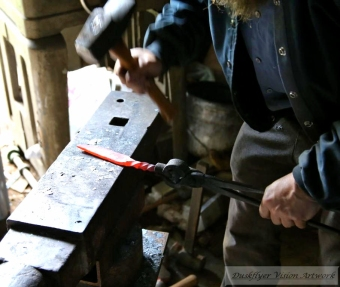 IMG_4589 Pounding Flat the Blade