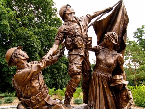 DSC04488 Soldier's Statue
