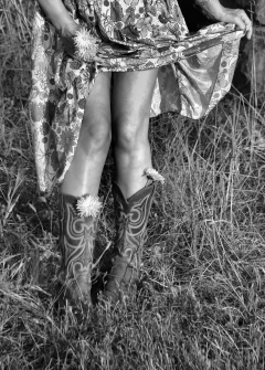 IMG_1010 Sunset Legs and Flowers bw