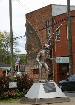 IMG_4553 MM statue