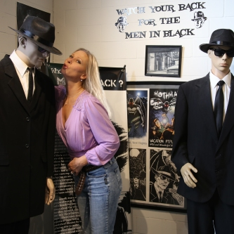IMG_4614 Tommie with men in black